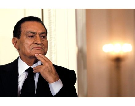 Egypt's President Hosni Mubarak attends a Middle East peace talks event in the East Room at the White House